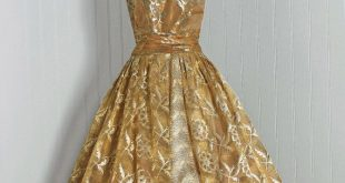1950's Vintage Metallic-Gold Floral Silk-Lame Couture Low-Cut Rockabilly Ballerina-Cupcake Full Circle-Skirt Bombshell Party Dress and Shawl