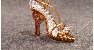 DIY Mini Wire Wrapped Cinderella Glass Slippers and Pumpkin CoachThe Cinderella ...