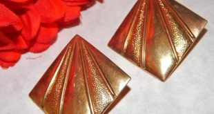 Earrings Pierced Ear Jewelry Shiny Gold Metal Geometric Textured Earrings Vintage 1980's Fashion Jewelry
