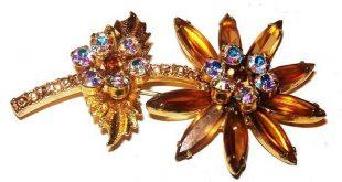 Juliana Topaz Ab Rhinestone Brooch D & E Confirmed Flower Design Gold Metal 2.5 in Vintage 1970s